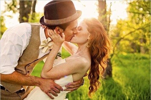 Кому-то не хватает одной женщины, и он переключается на пятую, десятую. А другому - не хватает жизни, чтобы любить одну-единственную.