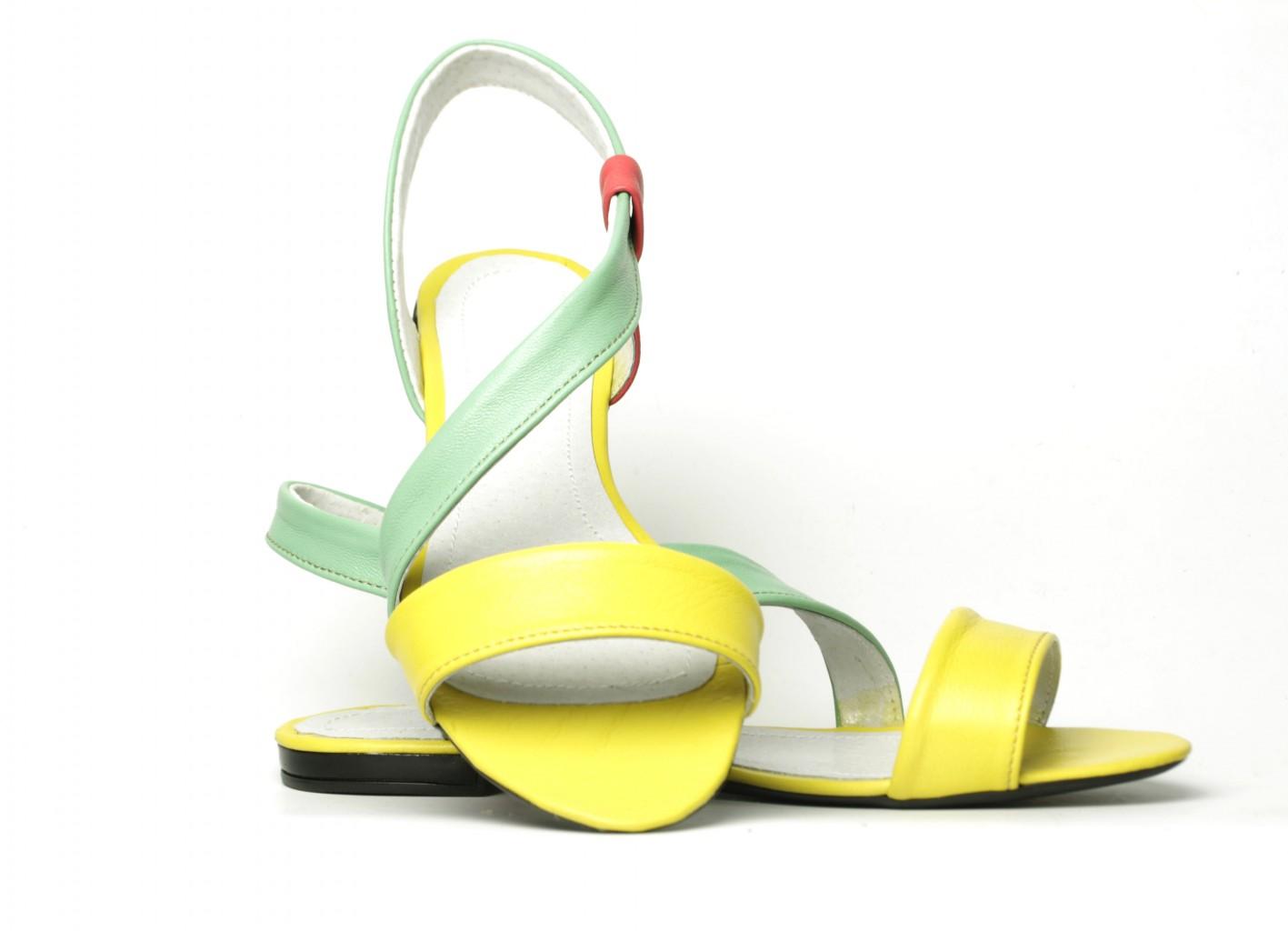 Раздача обуви 11 июня