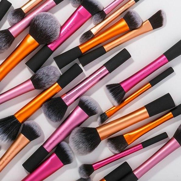 Сбор заказов. Real Techniques - профессиональные кисти для макияжа от Samantha Chapman! Одни из самых лучших!Новинка:Real Techniques Brush Cleansing Palette - Палитра для чистки кистей-5