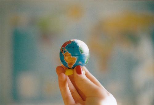 Когда любишь кого-то - влюблен в весь мир!