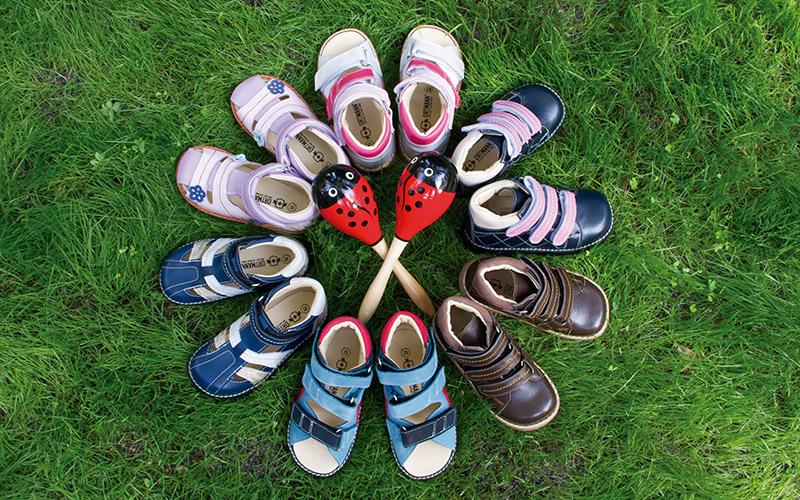 Бюджетный гипермаркет детской обуви на все сезоны для наших деток-5.