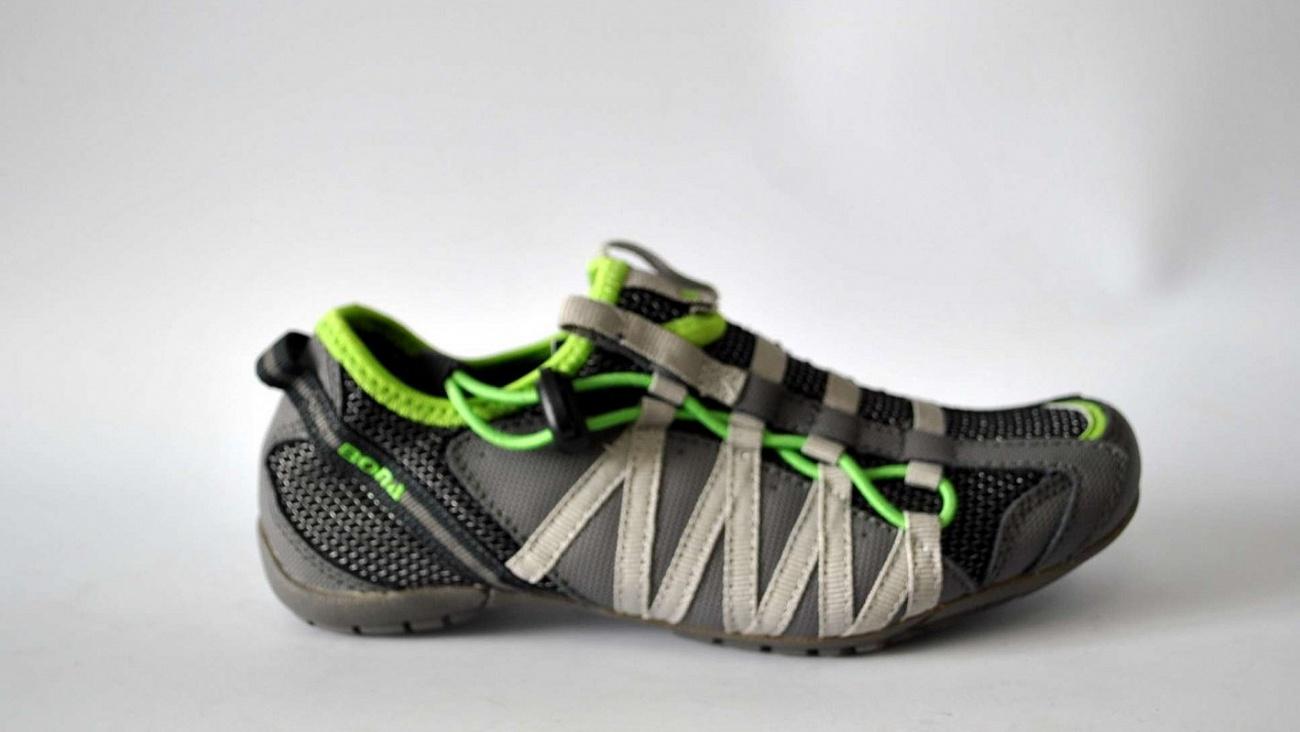 Сбор заказов. Спортивная обувь Bona - яркие, крепкие и модные кроссовки и ботинки для детей и подростков. Европейский