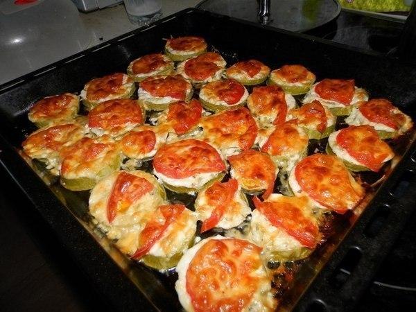 Кабачки под сыром быстро и вкусно:)