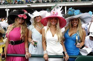 28 августа в 12:00 на Нижегородском ипподроме состоится конный фестиваль. Наряду с традиционными бегами рысаков здесь пройдут показательные выступления по классической выездке, конкуру, а также испанской школе верховой езды.