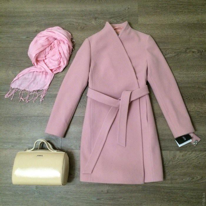 Начинаем готовиться к яркой осени!!Огромнейших выбор пальто на любой вкус,возраст и кошелек для нас любимых на все сезоны!По очень доступным ценам-9!