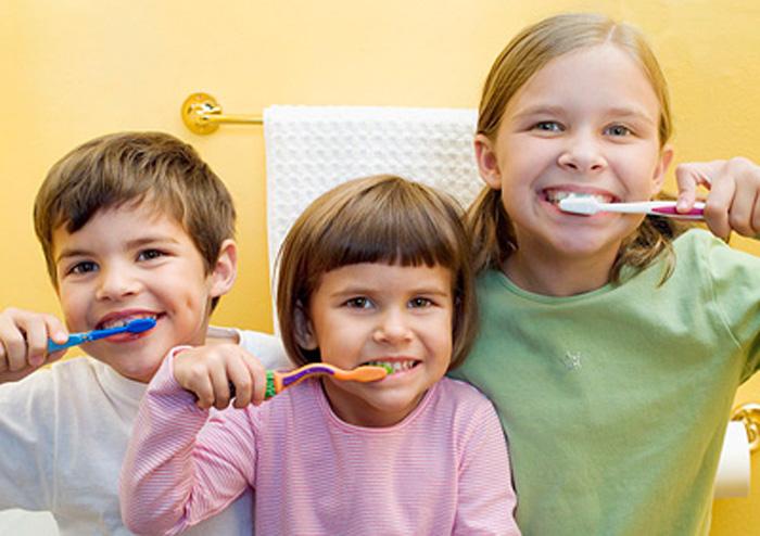 Снижение цен! Для детей и взрослых уникальные зубные щетки со светодиодами, вибрацией, музыкой.Зубные пасты для