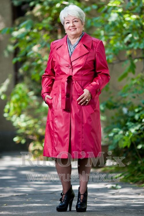 Сезон начинается. Плащи, куртки. Платья, жакеты, брюки. До 70 размера. Цены от 450 руб.