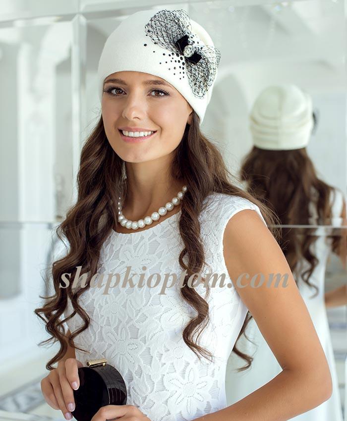 Увы и ах ,но уже осень!Безууууумной красоты шапочки ,береты ,снуды! Устоять невозможно!Вы точно не уйдете без покупки!выбор шикарный!4