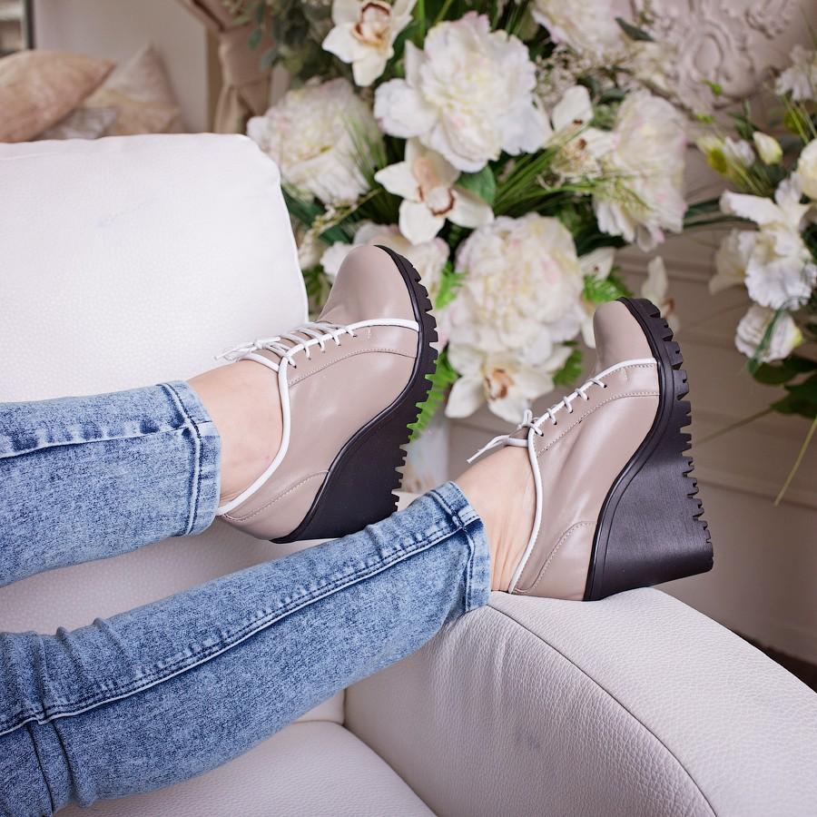 туфли из натуральной кожи заявлены на 38р, но реально 37 - 2300руб.