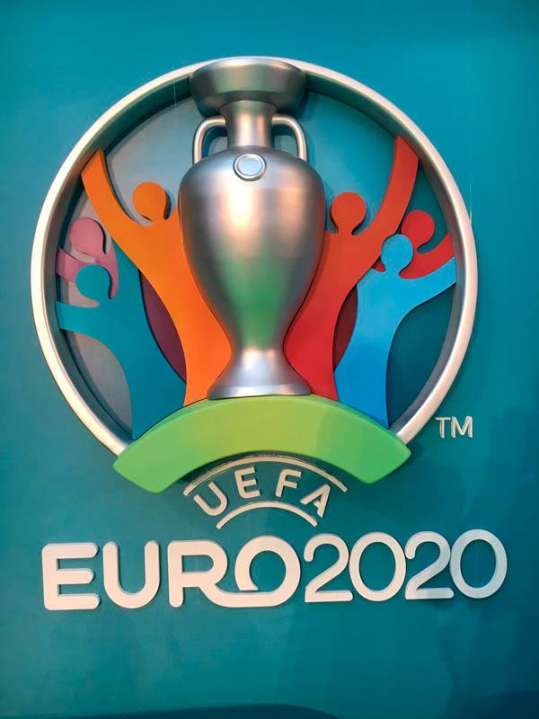 Логотип и визуальная концепция Евро-2020