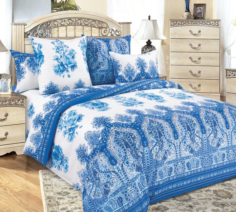 Отличный выбор комплектов постельного белья, а так же подушки (и автоподушки), одеяла, полотенца.