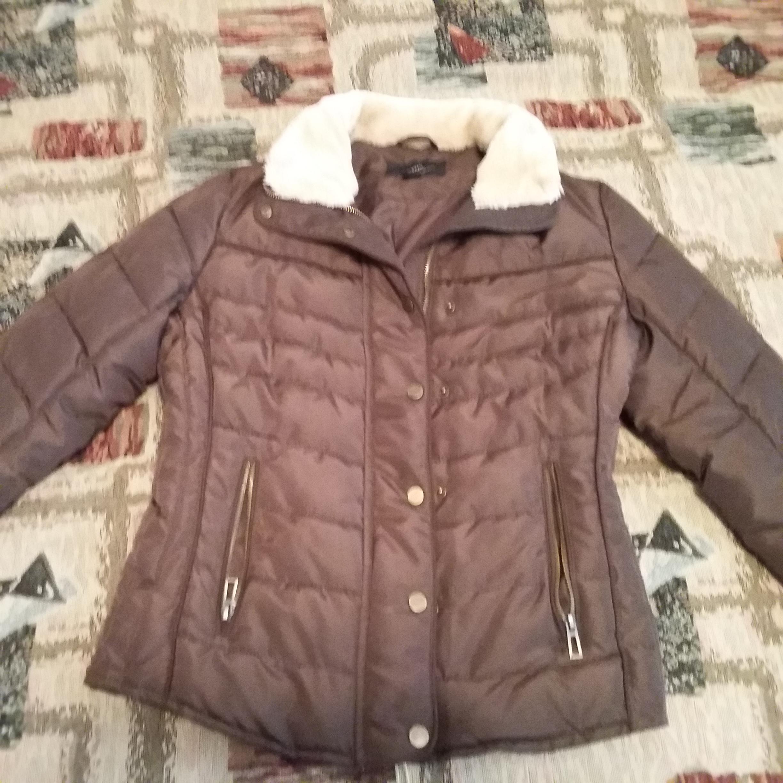 Женские вещи 42-44: вечерние платья, шуба, пальто, ботильоны, куртка,горнолыжный костюм