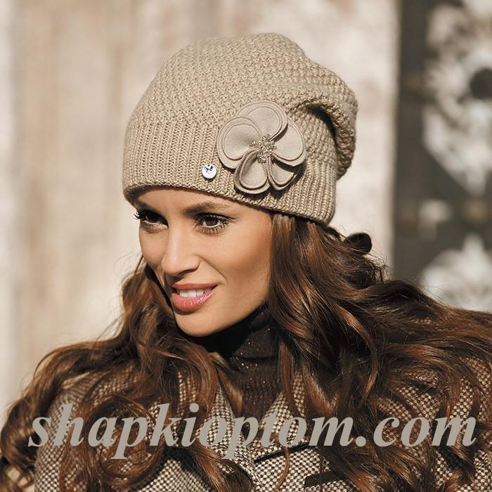 Увы и ах ,но уже осень!Безууууумной красоты шапочки ,береты ,снуды! Устоять невозможно!Вы точно не уйдете без покупки!выбор шикарный!5