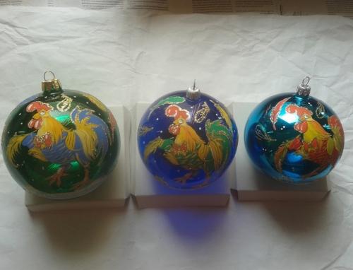 Верхушки, символы года, потрясающие шары, сосульки..... ) Сказочные игрушки