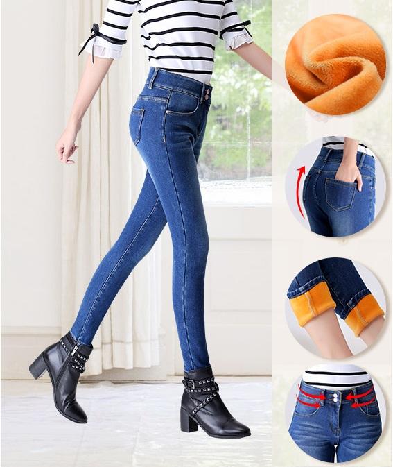 Утепленные цветные джинсы, утепленные лосины, толстовки на флисе. А так же цветные куртки, парки, пуховики