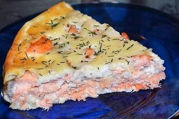 Заливной пирог с филе семги
