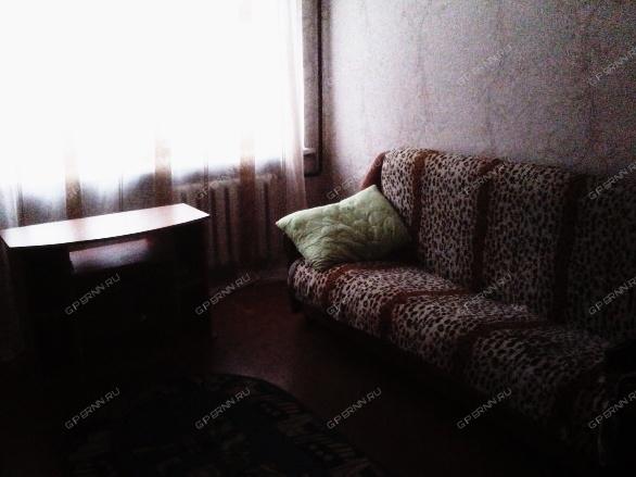 Сдам срочно комнату на пр Ленина,метро Заречная,14 м,7000,ком услуги входят ,залог 2000 руб ,от ХоЗяИна