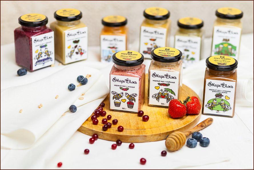 Полезный и вкусный десерт - живой мёд, медовый мусс с зеленым чаем, тахини, плодами рожкового дерева. Сбор-2