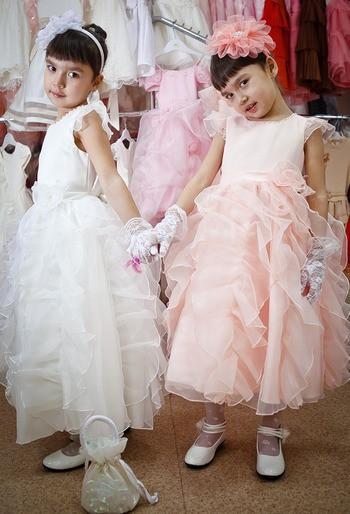 Сбор заказов. Грандиозная Распродажа!!! Как стать Принцессой. Нарядные платья для любимых девочек. А для мальчиков-принцев костюмы и рубашки.