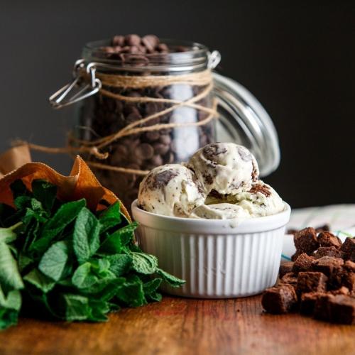Попробовала на СП ФЭСТЕ. Всем рекомендую! Вкуснейшее, абсолютно натуральное мороженое ручной работы. всего 65 руб за 90 грамм!