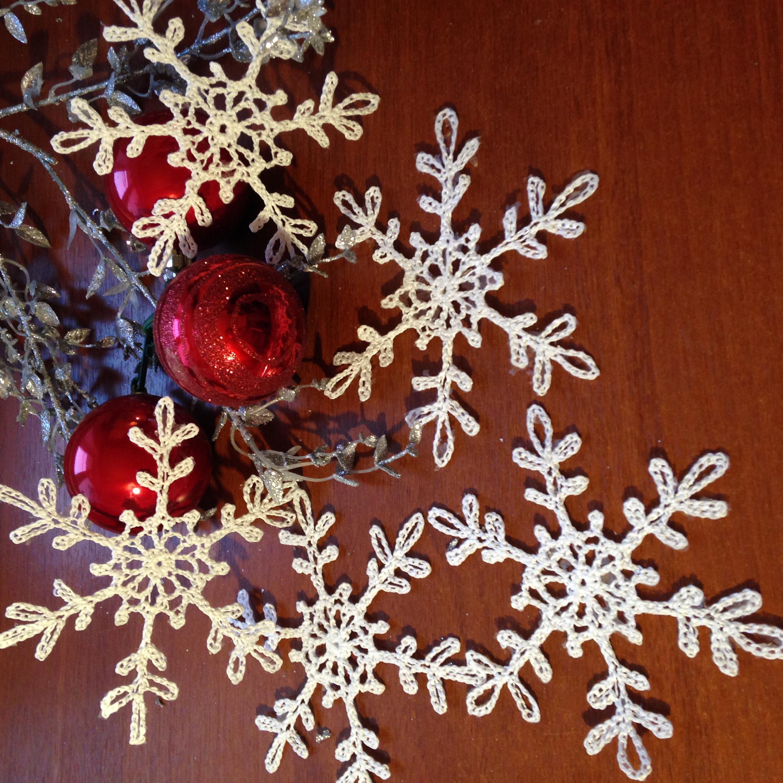 Новогодние снежинки, в наличии и под заказ.