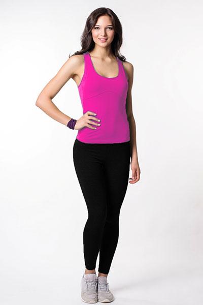 Стильная и модная спортивная одежда T*a*r*cma 27 – удобная для активного отдыха, прогулок и фитнеса. Брюки, легинсы, шорты, майки, костюмы. Размеры 42-56