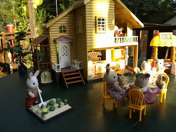 Cбор заказов. По вашим просьбам! Домики Happy Family (аналог Сильваньян Фэмилиз) и их обитатели, а также игрушки для ролевых игр - кухня, маркет и др. Бюджетные цены- хорошее качество.Предновогодний!