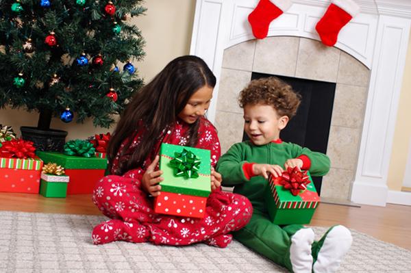 Большое пополнение пристроя детских игрушек  от 25 руб.  А так же одежда,  парфюм, лаки, посуда и многое другое.  Раздачи 6 декабря