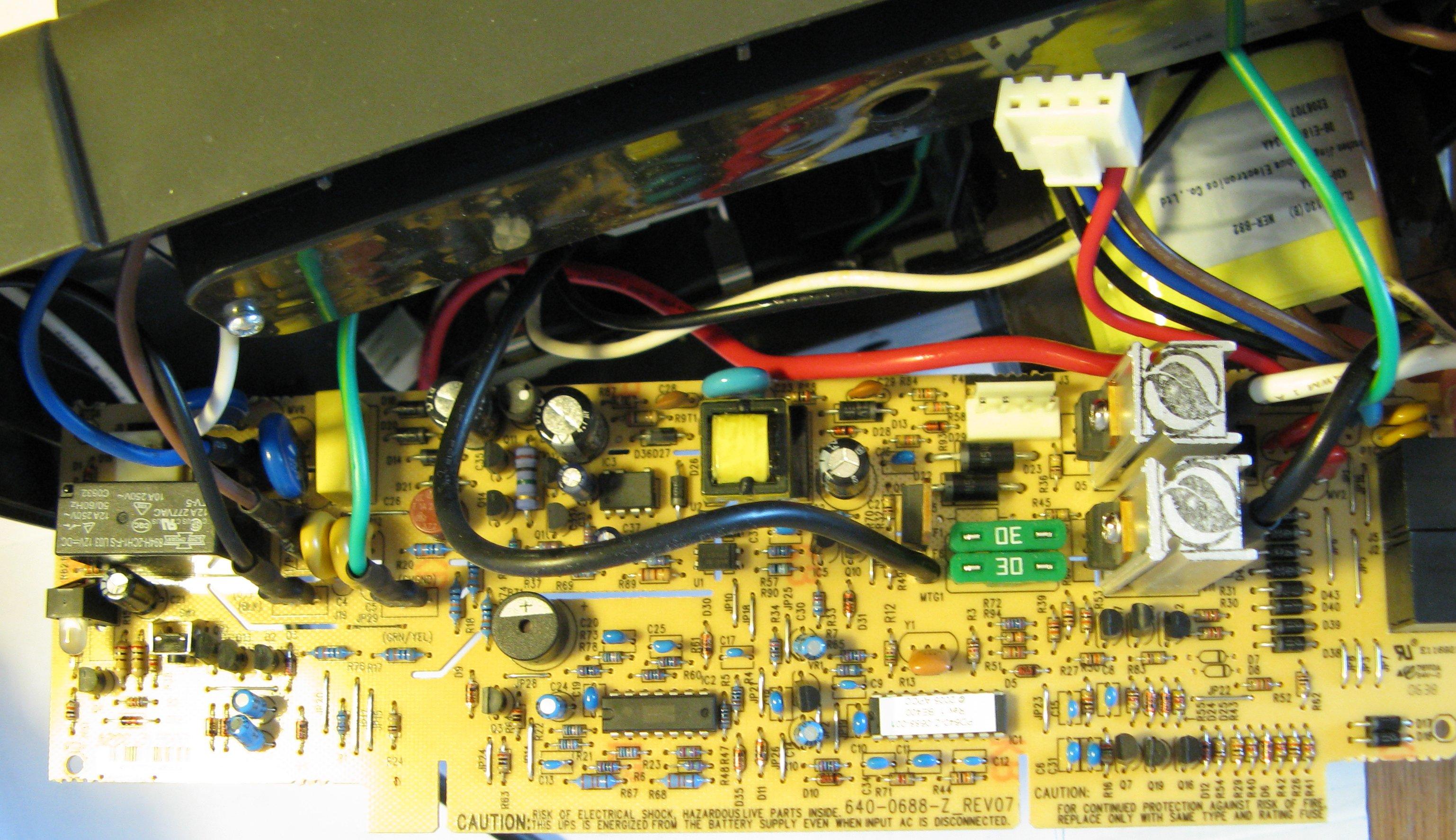 APC Back-UPS CS 500, классический ремонт (конденсаторы) 24
