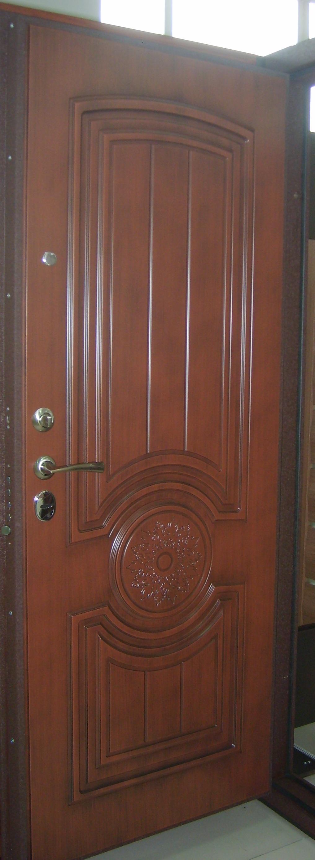 где лучше заказать входную дверь