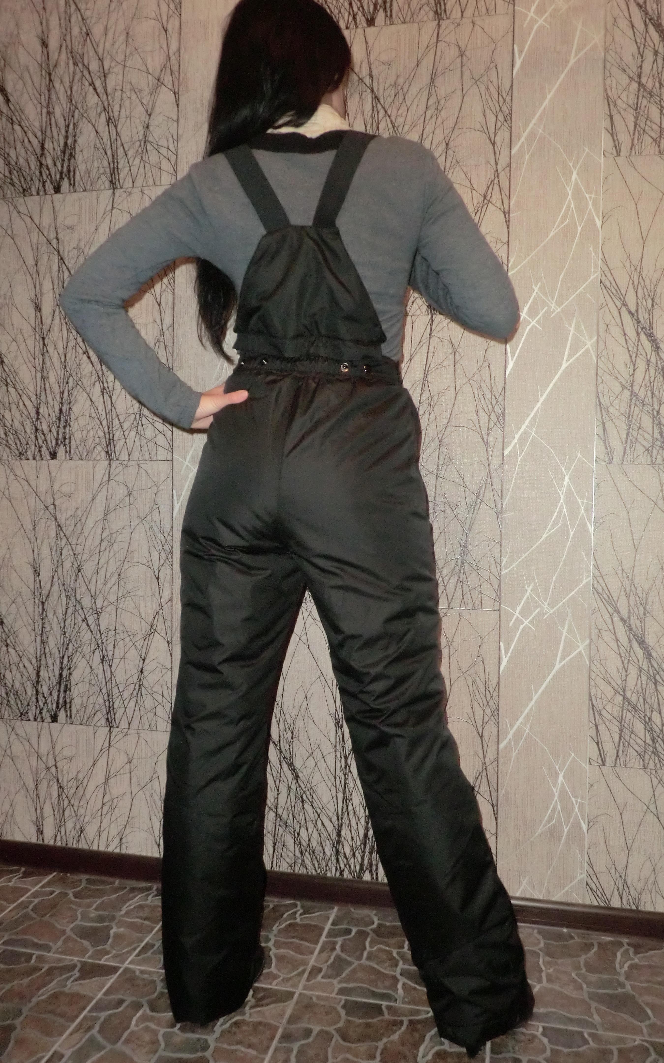 Фото женщины в теплых штанах вид сзади 17 фотография