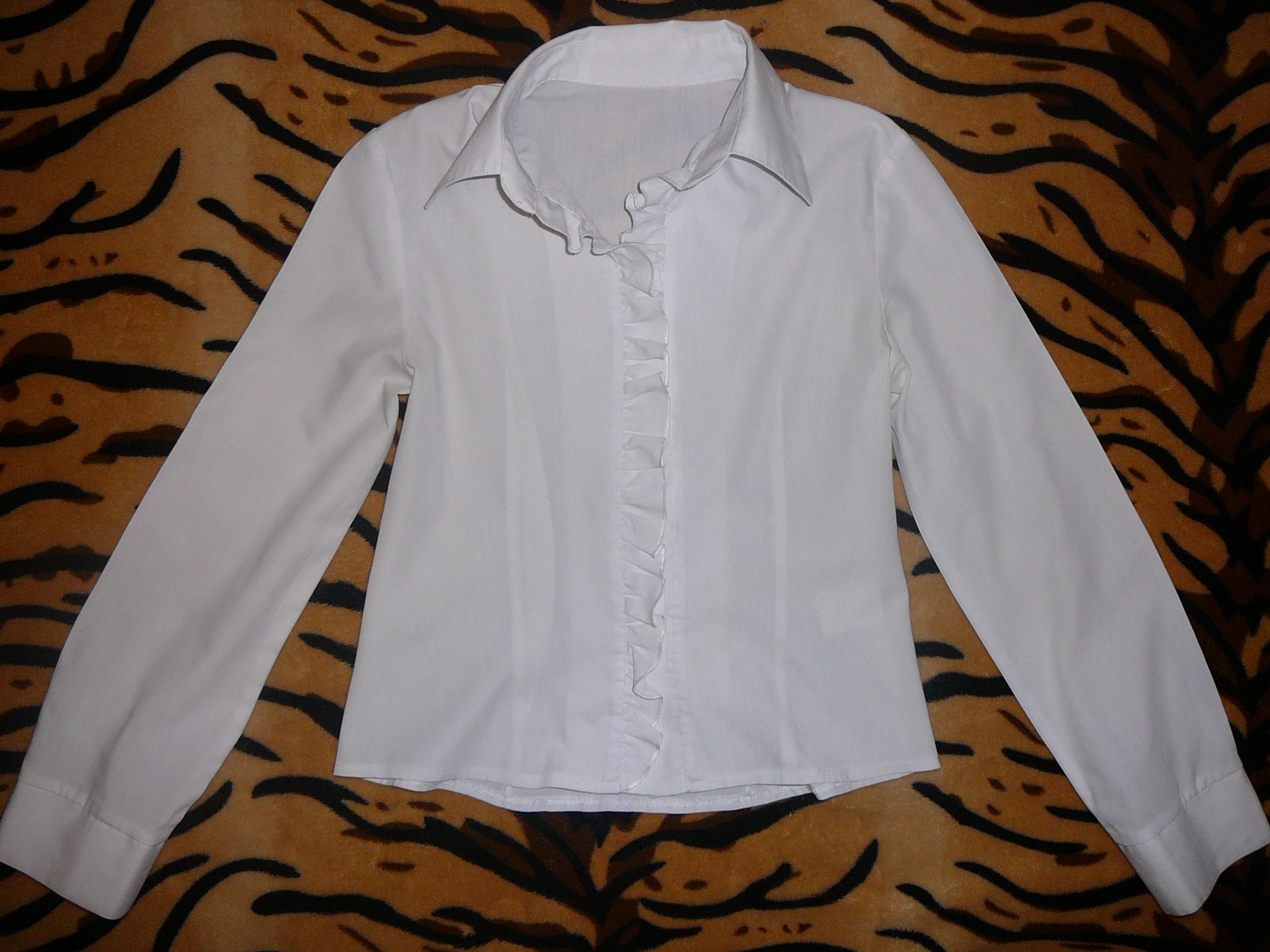 Блузки и водолазки для школы