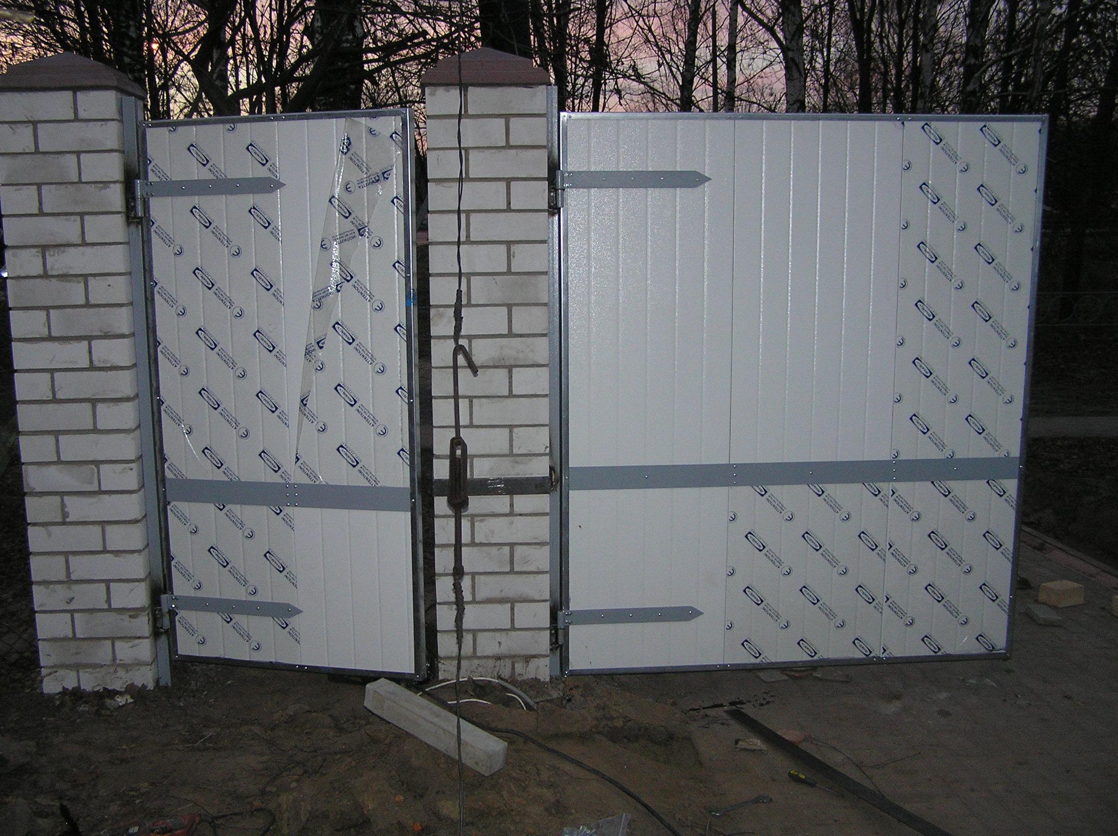 Ворота металлические въездные цены электрические ворота во двор жилого дома