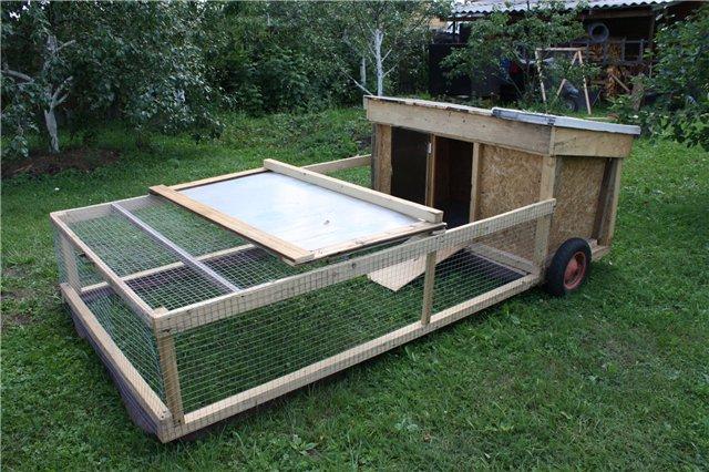 Как построить летний курятник для бройлеров своими руками
