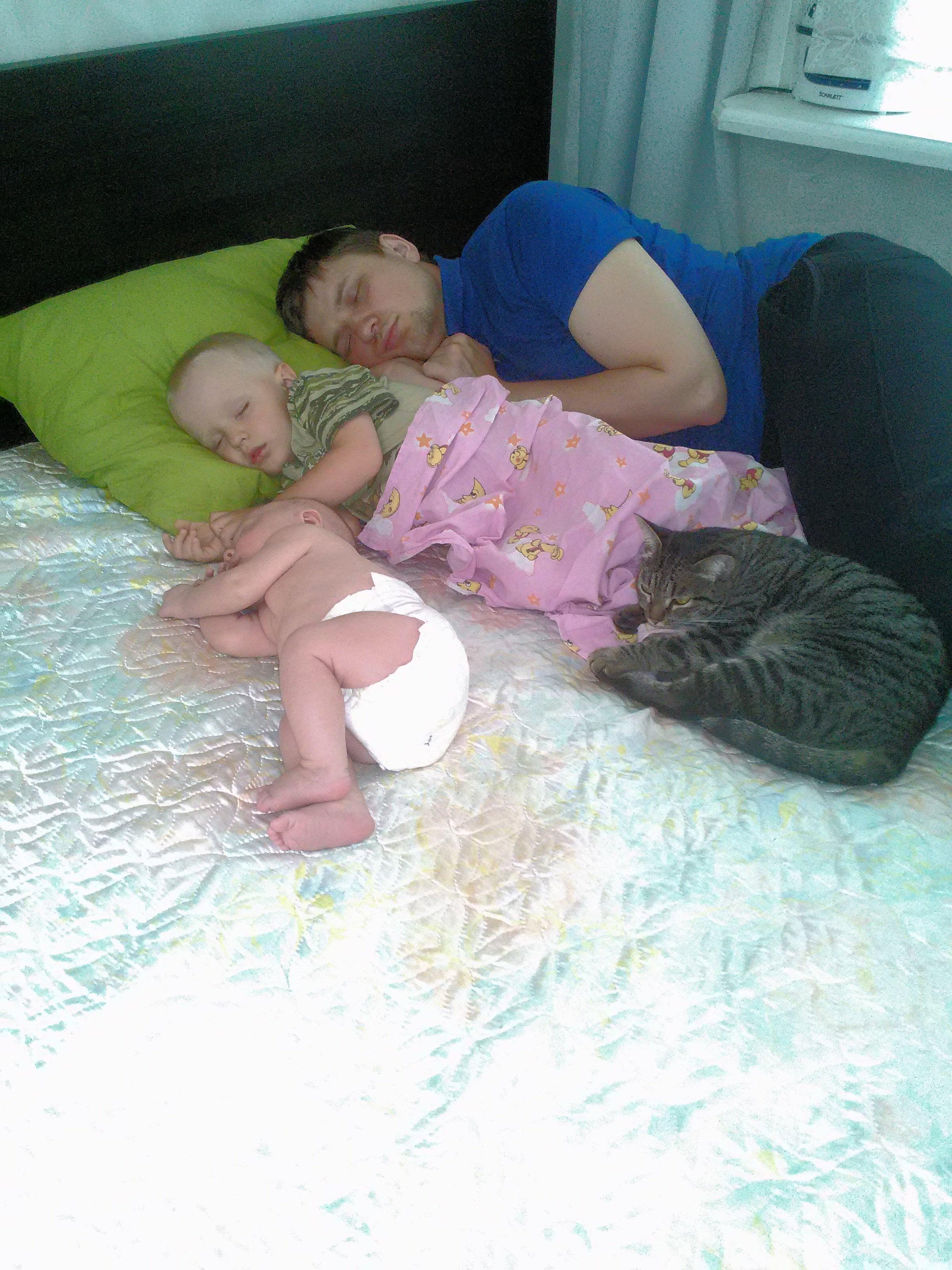 Тетя и племянник пока родители спят 25 фотография