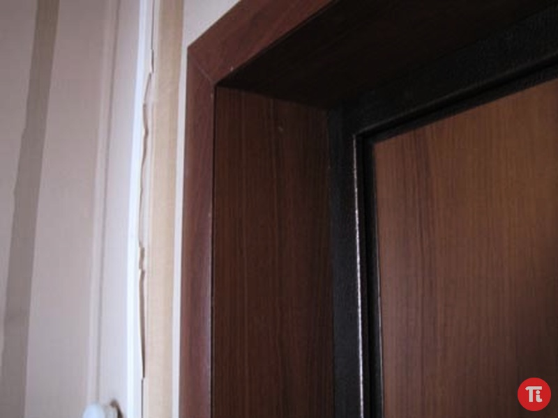 Отделка входных дверей фото