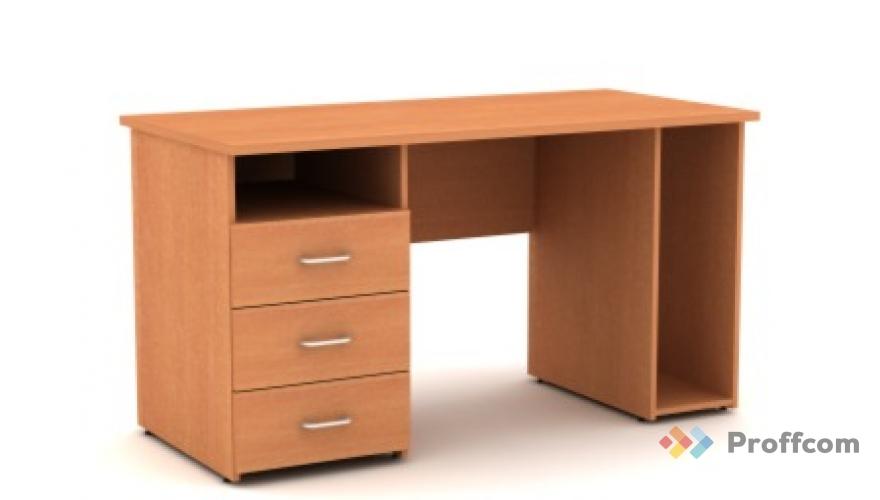 """Столы офисные, очень """" comfort"""" -ные без торговой."""
