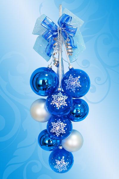Снежинки и новогодние шары своими руками