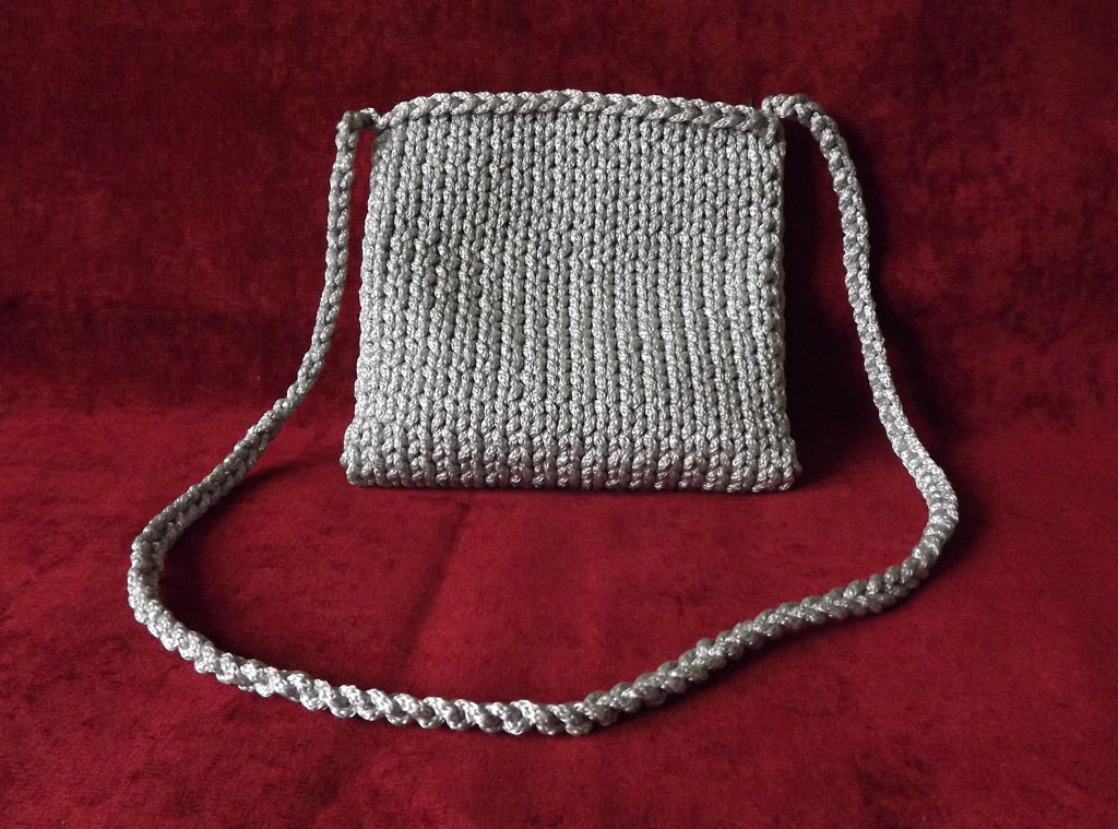 Поиск на Постиле: сумки из шнура