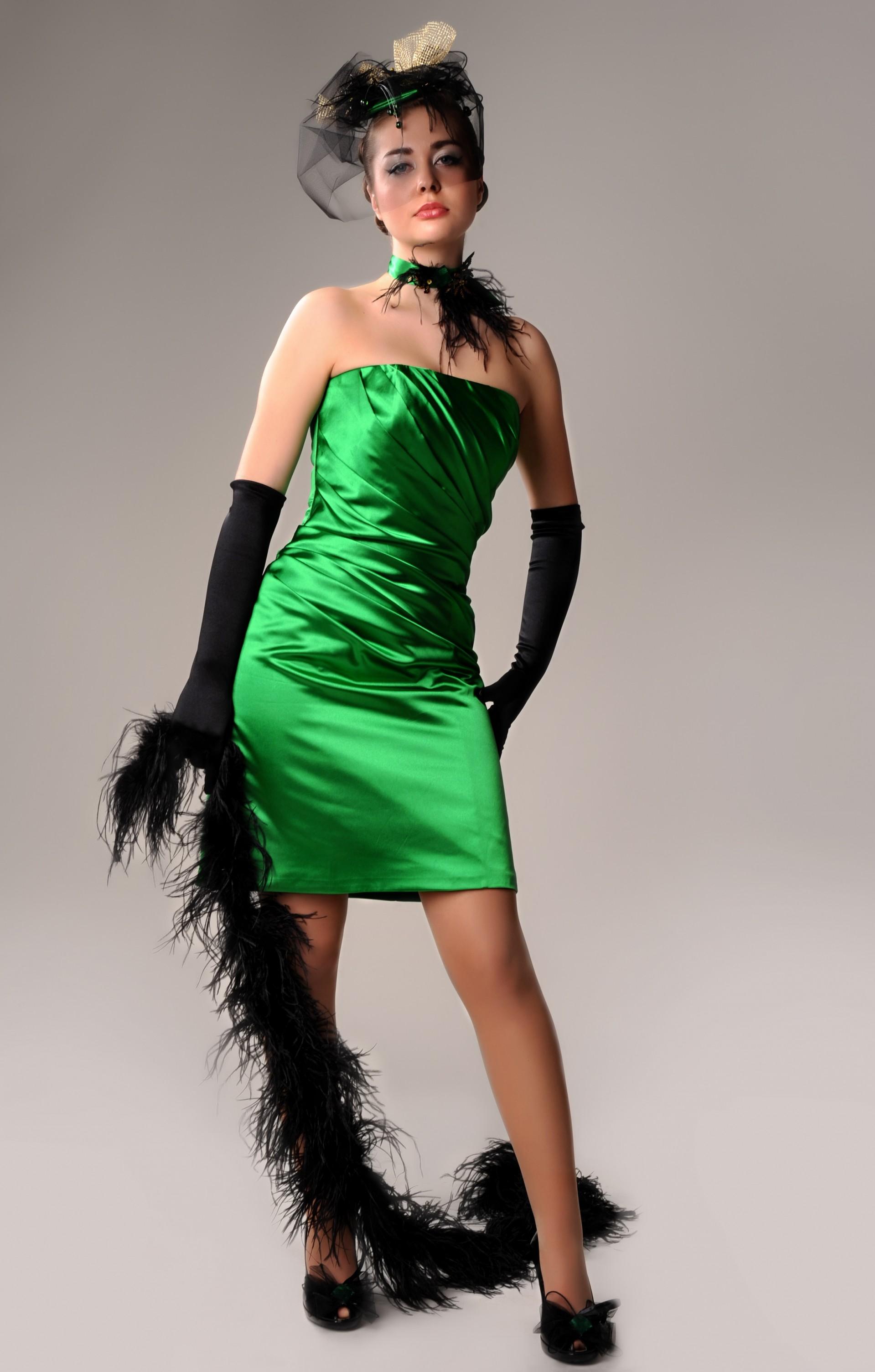 Платья с перчатками фото вечерние