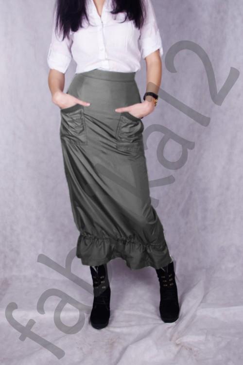 Модель 8003 размеры: 42,44,46,48 полиэстер 100% двусторонняя стеганная утепленная куртка из плащевой ткани (внутри
