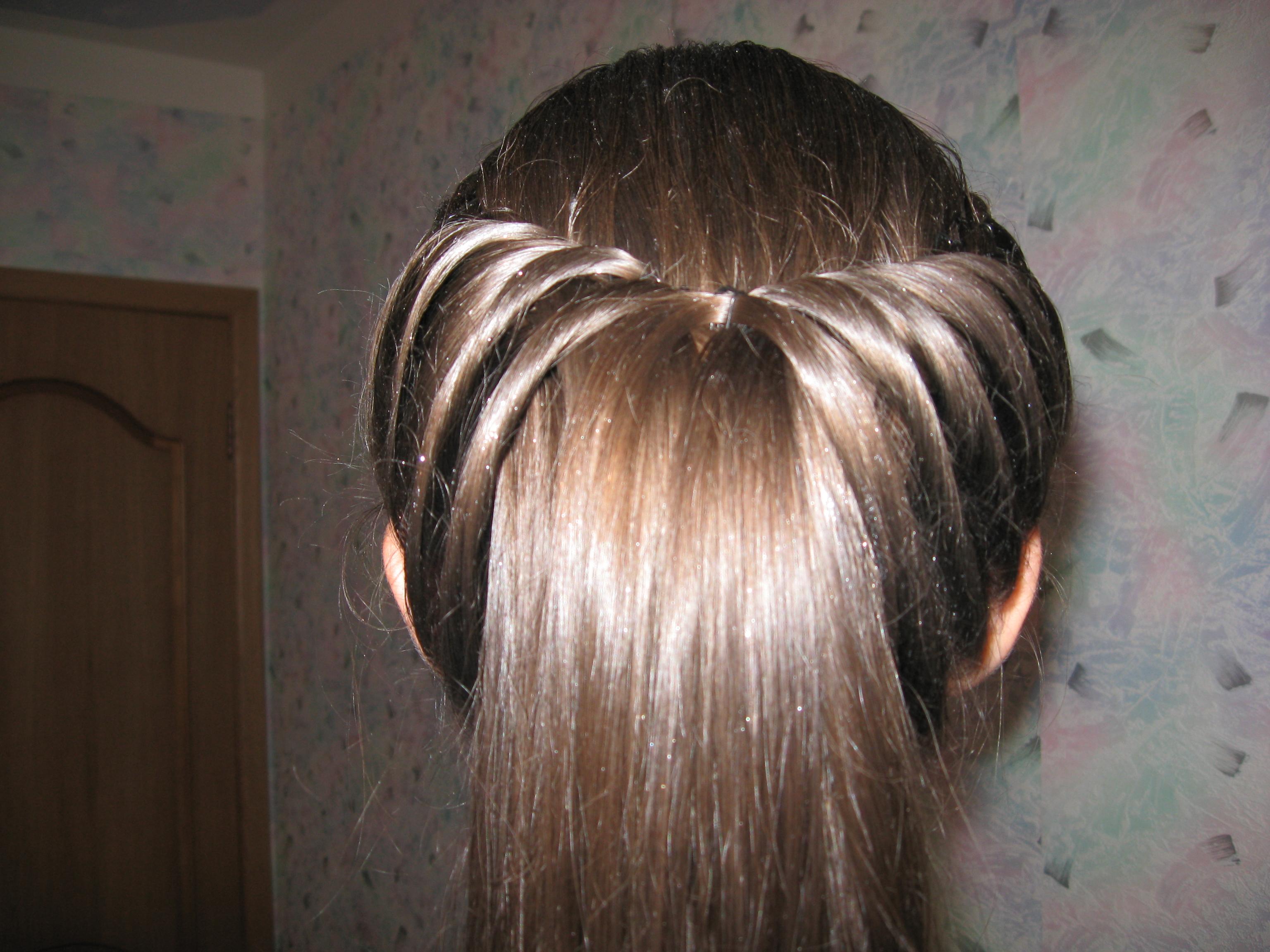 Причёска н длинные волосы с косами 13 фотография