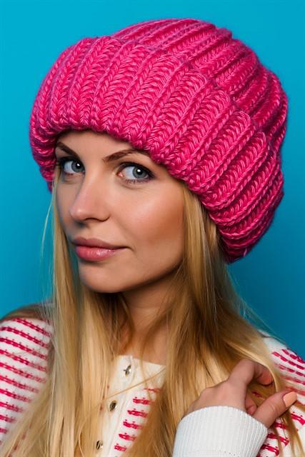 Вязание спицами шапок для женщин с отворотом 187