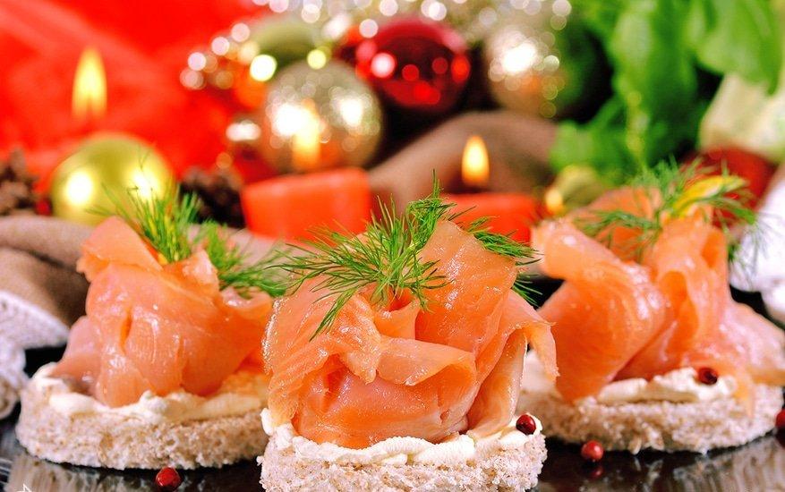 сохранившихся фото красной рыбы на столе кому