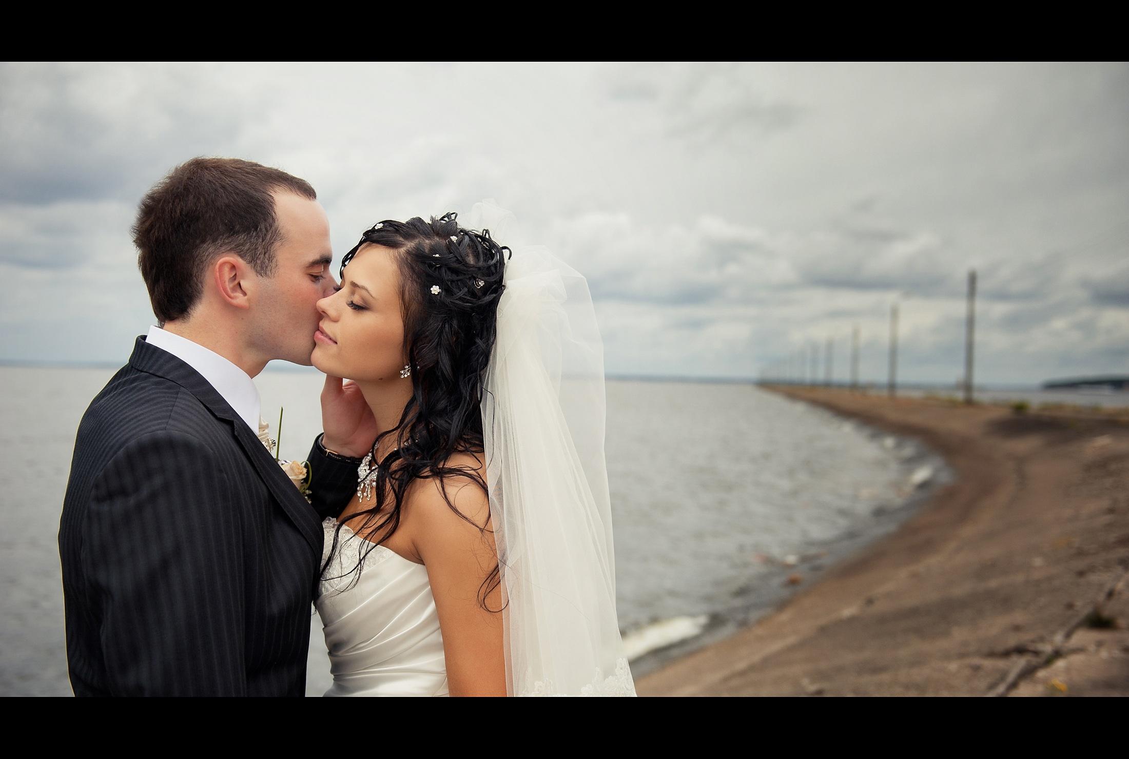 посоветуйте фотографа на свадьбу омск сказать