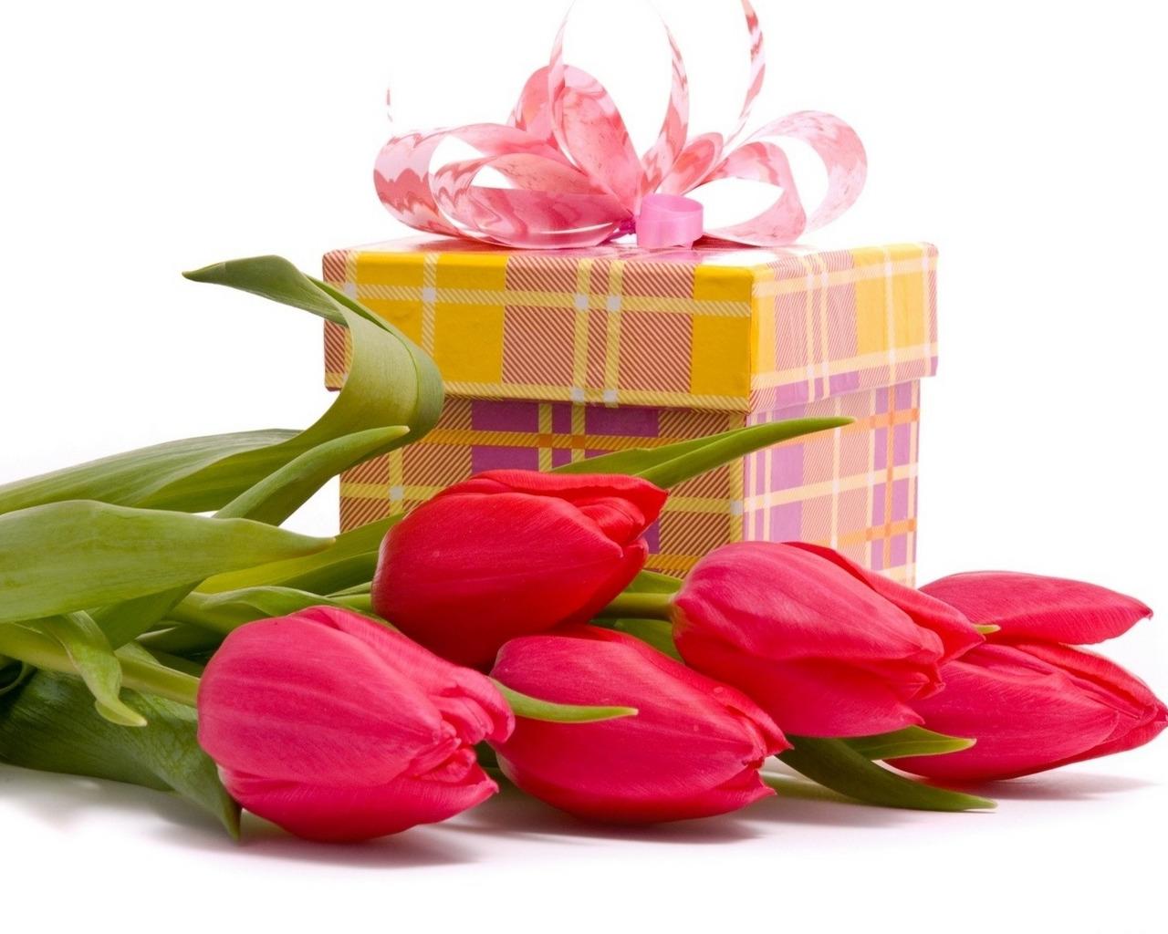 День рождения и 8 марта в один день поздравления