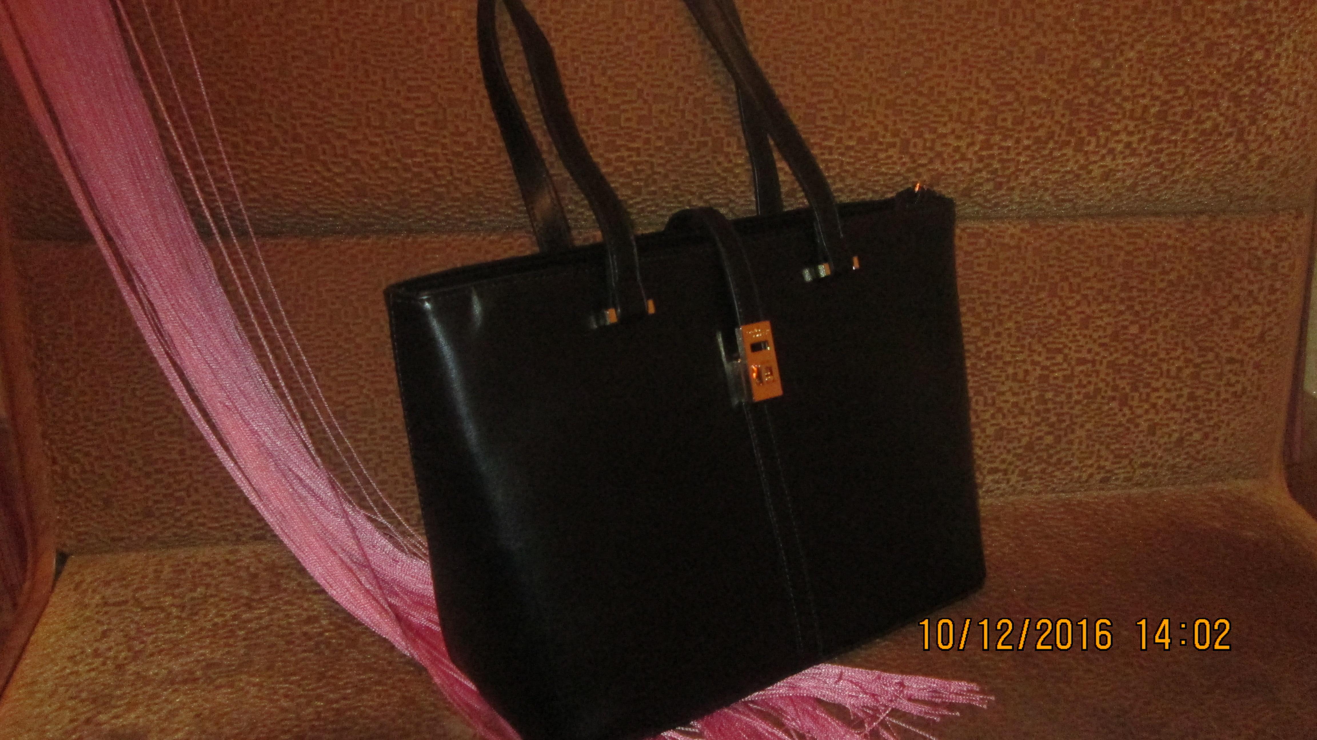 31e344296a0f Брала сумку David Jones 5219-5 Black . Качество порадовало, очень аккуратно  и крепко прошито. Выглядит как на фото с сайта.