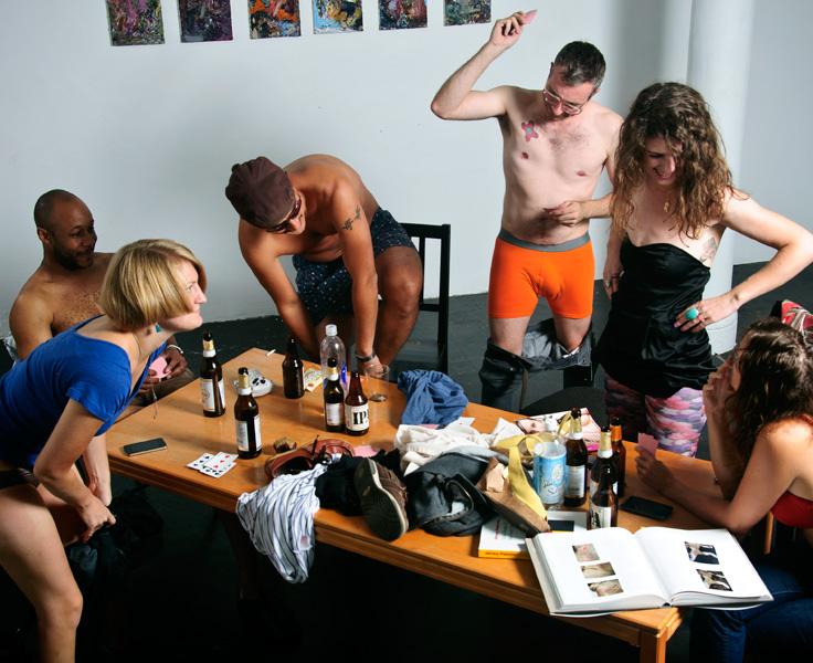 dorsel-kak-snimayut-studentok-dlya-snyatie-seks-video-pishnozadie-zhenshini