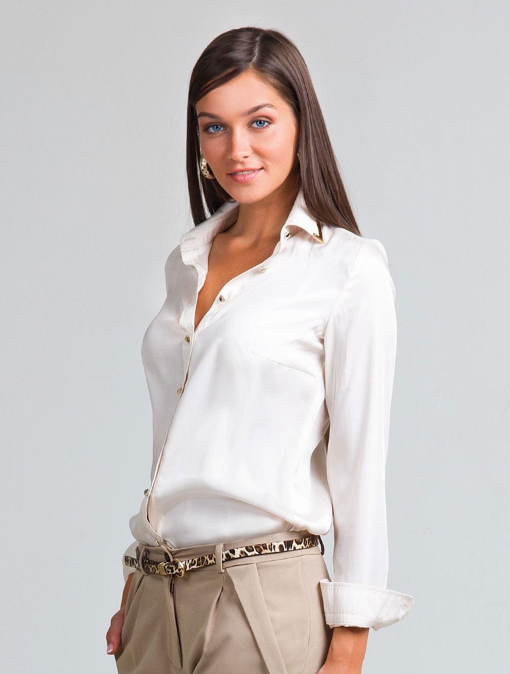 Девушки в блузках фото, трахнул телочку ахуительного телосложения