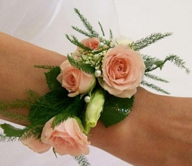 Живые цветы на руку купить спб, стиле